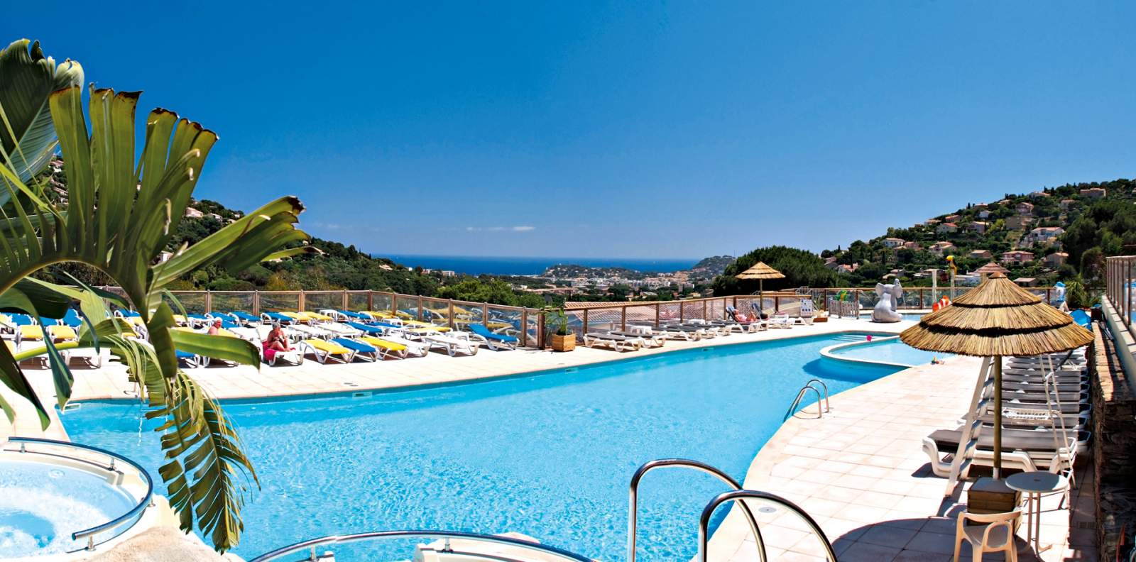 camping avec piscine chauffee a cavalaire
